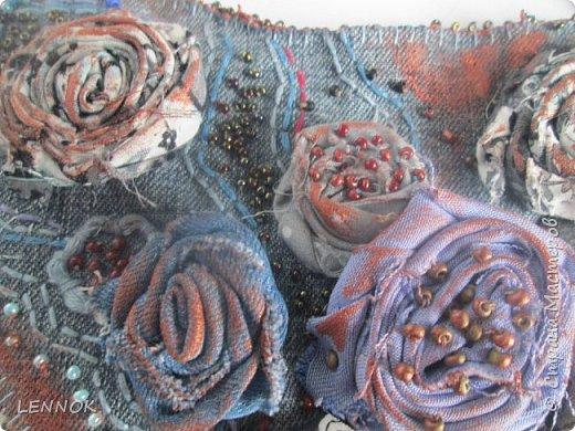 Украшение из остатков джинсов и полимерной глины. Хотела научиться крутить розы а сшилось такое. фото 5