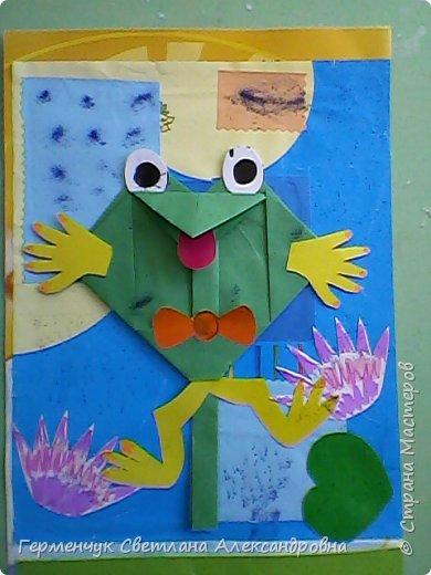 С приходом  весны  развеселились   лягушата и устроили веселый танец С ребятами  4 класса  сделали динамическую  поделку ,которую увидела на странице Сак Натальи Александровны ,немного усовершенствовали       и представляем Вам наших лягушек - мальчиков и девочек. фото 12