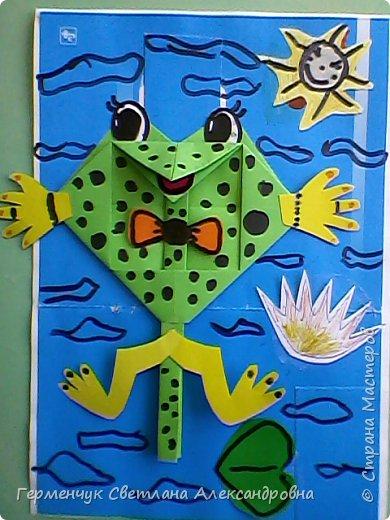 С приходом  весны  развеселились   лягушата и устроили веселый танец С ребятами  4 класса  сделали динамическую  поделку ,которую увидела на странице Сак Натальи Александровны ,немного усовершенствовали       и представляем Вам наших лягушек - мальчиков и девочек. фото 15