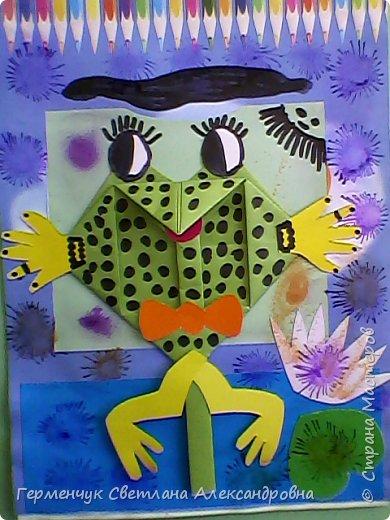 С приходом  весны  развеселились   лягушата и устроили веселый танец С ребятами  4 класса  сделали динамическую  поделку ,которую увидела на странице Сак Натальи Александровны ,немного усовершенствовали       и представляем Вам наших лягушек - мальчиков и девочек. фото 18