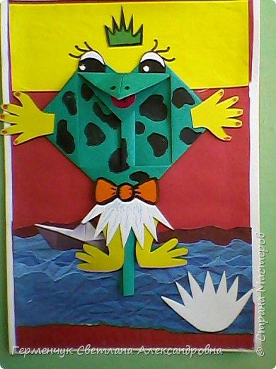 С приходом  весны  развеселились   лягушата и устроили веселый танец С ребятами  4 класса  сделали динамическую  поделку ,которую увидела на странице Сак Натальи Александровны ,немного усовершенствовали       и представляем Вам наших лягушек - мальчиков и девочек. фото 1