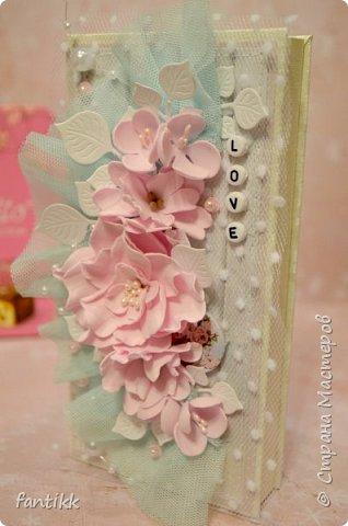 Цветы выполнены вручную из фоамирана. фото 3