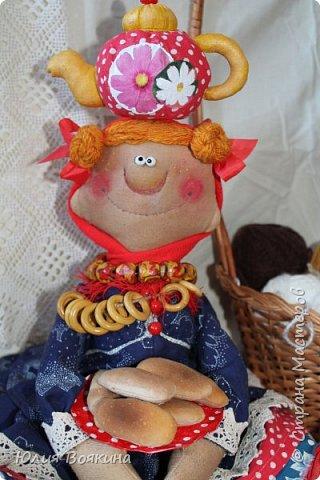 Добрый день! Я очень хотела прогнать зиму, тоску и плохое настроение, поэтому сшила вот такую куклу. Да, это снова повторюшка за моим любимым мастером Татьяной Козыревой, но моя получилась ушастая. фото 2