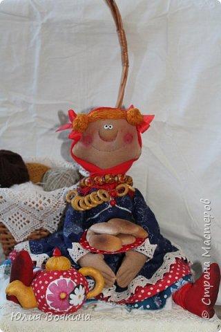 Добрый день! Я очень хотела прогнать зиму, тоску и плохое настроение, поэтому сшила вот такую куклу. Да, это снова повторюшка за моим любимым мастером Татьяной Козыревой, но моя получилась ушастая. фото 6