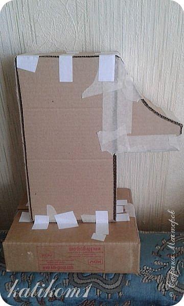 Вот такую единичку сделала для дочурки, муж соорудил каркас, я оформила. Захотелось что-нибудь такое, не как у всех)))) фото 2