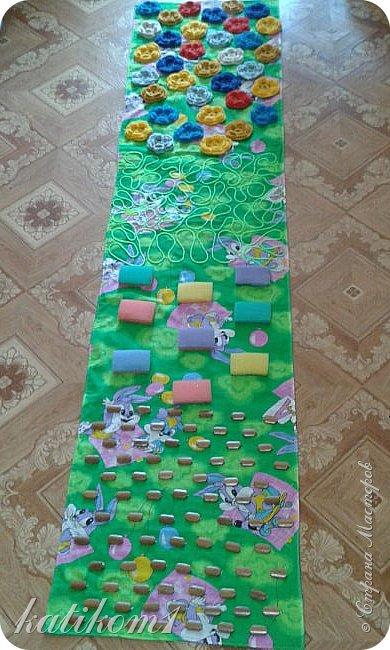 Вот такую дорожку смастерила  в группу сыну,  в подарок воспитателям на 8 марта фото 10