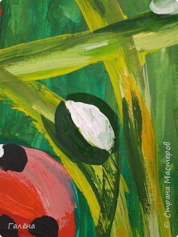 Как,иногда, приятно зимой,ранней весной вспомнить о теплом лете.Божьи коровки,наверное,самые яркие представители этого времени года.И их так легко и интересно рисовать деткам.А всего то надо,найти лист бумаги и гуашевые краски.И так,приступим! фото 16