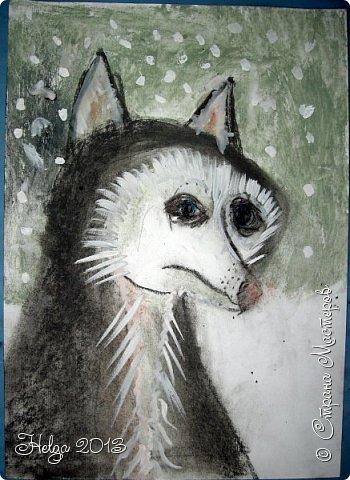 Накопилось много детских работ за разные месяцы, вот часть из них решила показать вам. Творили дети  5,5-7 лет. Первая работа собака породы хаска, рисовали соусом, сангиной, углем, мелом и белой гуашью на листе А3. фото 18