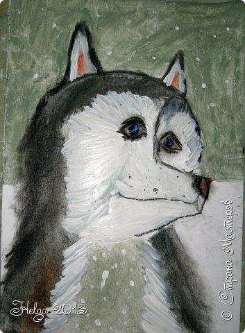 Накопилось много детских работ за разные месяцы, вот часть из них решила показать вам. Творили дети  5,5-7 лет. Первая работа собака породы хаска, рисовали соусом, сангиной, углем, мелом и белой гуашью на листе А3. фото 15