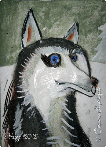 Накопилось много детских работ за разные месяцы, вот часть из них решила показать вам. Творили дети  5,5-7 лет. Первая работа собака породы хаска, рисовали соусом, сангиной, углем, мелом и белой гуашью на листе А3. фото 13
