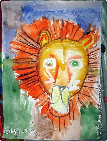 Накопилось много детских работ за разные месяцы, вот часть из них решила показать вам. Творили дети  5,5-7 лет. Первая работа собака породы хаска, рисовали соусом, сангиной, углем, мелом и белой гуашью на листе А3. фото 32