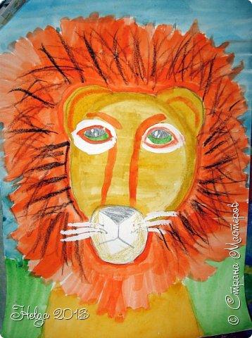 Накопилось много детских работ за разные месяцы, вот часть из них решила показать вам. Творили дети  5,5-7 лет. Первая работа собака породы хаска, рисовали соусом, сангиной, углем, мелом и белой гуашью на листе А3. фото 31