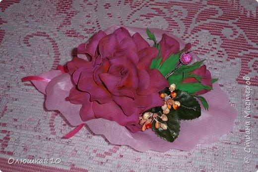 Восьмимартовские букетики роз из фома фото 10