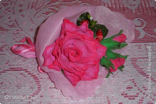Восьмимартовские букетики роз из фома фото 11