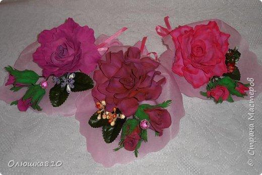 Восьмимартовские букетики роз из фома фото 15
