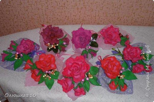 Восьмимартовские букетики роз из фома фото 1