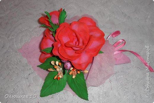 Восьмимартовские букетики роз из фома фото 6