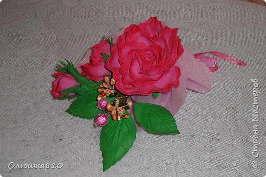 Восьмимартовские букетики роз из фома фото 7