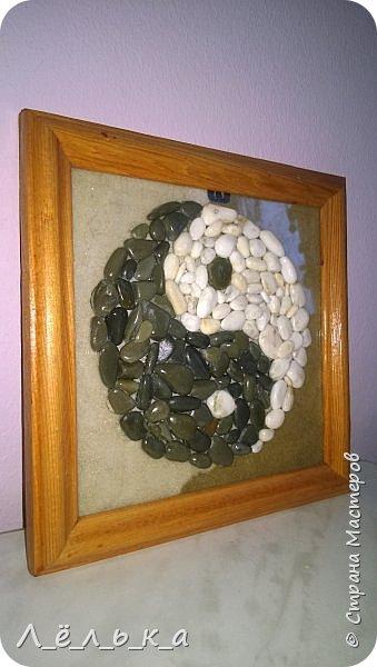Инь-Янь из морской гальки (белая и черная) фото 5