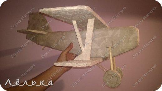 """Всех приветствую. Для своих деток и """"луну с неба"""" и самолет и пенопласта ))))). Модель самолета ко дню гражданской авиации в детский сад. Было задание сделать большую модель (50 см х 50 см) самолета 20-х годов. фото 11"""