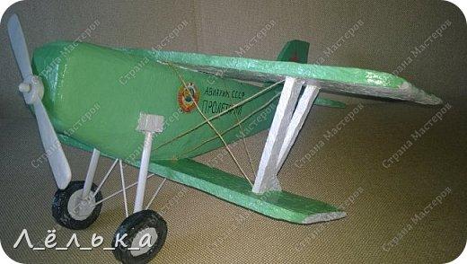 """Всех приветствую. Для своих деток и """"луну с неба"""" и самолет и пенопласта ))))). Модель самолета ко дню гражданской авиации в детский сад. Было задание сделать большую модель (50 см х 50 см) самолета 20-х годов. фото 18"""
