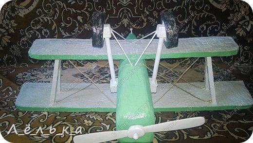 """Всех приветствую. Для своих деток и """"луну с неба"""" и самолет и пенопласта ))))). Модель самолета ко дню гражданской авиации в детский сад. Было задание сделать большую модель (50 см х 50 см) самолета 20-х годов. фото 17"""