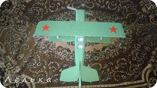 """Всех приветствую. Для своих деток и """"луну с неба"""" и самолет и пенопласта ))))). Модель самолета ко дню гражданской авиации в детский сад. Было задание сделать большую модель (50 см х 50 см) самолета 20-х годов. фото 22"""