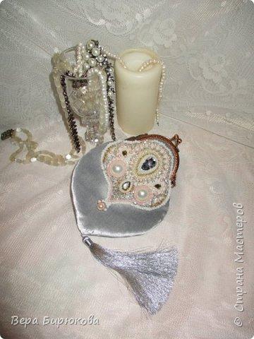 Вот такую сумочку, я сделала, для своей подруги в подарок на 8 марта))))) фото 3