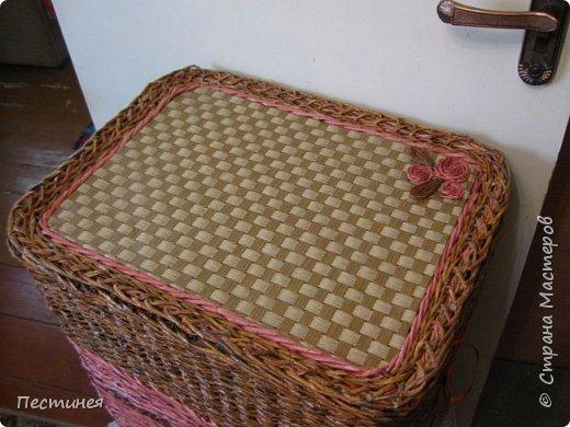 иногда  приходит вдохновение на плетение  это вот сплелось типа под гжель сначало  сапожок потом корзинка, уже подарен фото 9