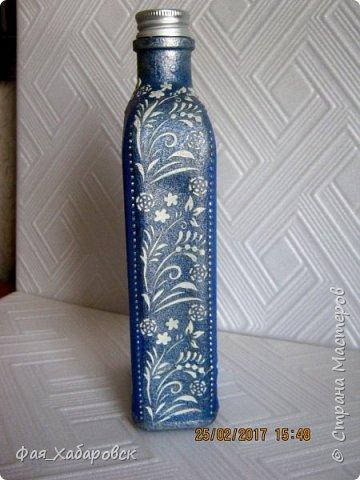 Бутылочка показана со всех сторон фото 8