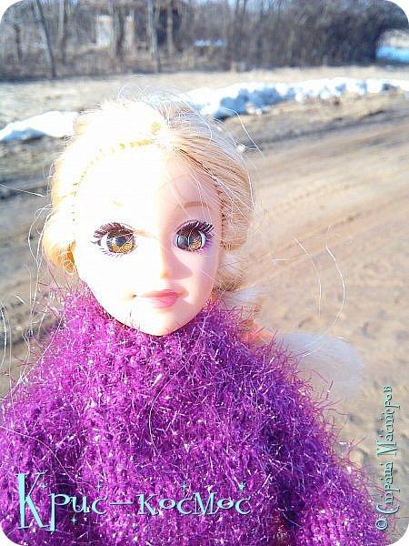 Привет, СМ! Вот я вышла на прогулку и прихватила с собой Алису. На нее связала платье-свитер по МК Мирабелы.  Давайте посмотрим.  фото 26