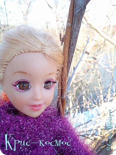 Привет, СМ! Вот я вышла на прогулку и прихватила с собой Алису. На нее связала платье-свитер по МК Мирабелы.  Давайте посмотрим.  фото 35