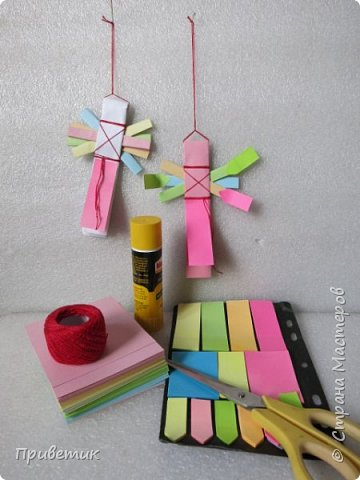 Сейчас я учусь на курсах- Кукольный хоровод http://stranamasterov.ru/workshop18 . Там мы делаем разных куколок-лично я уже 10 штук сделала;) Одна из кукол - Филипповка. Ох и полезная, я вам скажу, куколка! Помощница, да многорукая_ короче, вЕщь! Пока ее делала, придумала вот такую, совсем простую игрушку- офисную подружку. фото 2