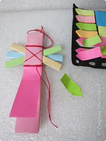 Сейчас я учусь на курсах- Кукольный хоровод http://stranamasterov.ru/workshop18 . Там мы делаем разных куколок-лично я уже 10 штук сделала;) Одна из кукол - Филипповка. Ох и полезная, я вам скажу, куколка! Помощница, да многорукая_ короче, вЕщь! Пока ее делала, придумала вот такую, совсем простую игрушку- офисную подружку. фото 10