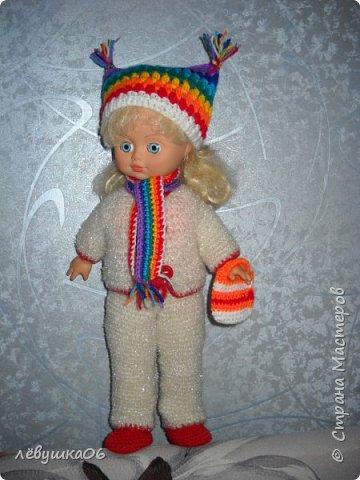Добрый вечер жители СМ. сегодня парад кукольной моды.  когда-то обвязывала куколку в дет сад старшему сыну  http://stranamasterov.ru/node/392931  , сейчас пришло время тоже самое сделать для младшенького....в первую очередь пошли остатки пряжи... для каждой куклы создался зимний и летний комплекты.... фото 1