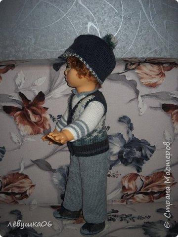 Добрый вечер жители СМ. сегодня парад кукольной моды.  когда-то обвязывала куколку в дет сад старшему сыну  http://stranamasterov.ru/node/392931  , сейчас пришло время тоже самое сделать для младшенького....в первую очередь пошли остатки пряжи... для каждой куклы создался зимний и летний комплекты.... фото 9