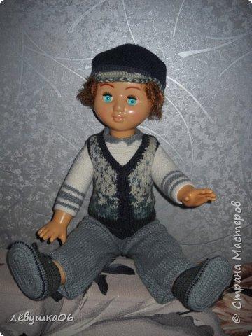 Добрый вечер жители СМ. сегодня парад кукольной моды.  когда-то обвязывала куколку в дет сад старшему сыну  http://stranamasterov.ru/node/392931  , сейчас пришло время тоже самое сделать для младшенького....в первую очередь пошли остатки пряжи... для каждой куклы создался зимний и летний комплекты.... фото 10