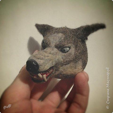 """Брелок из шерсти """"Волк"""" фото 5"""
