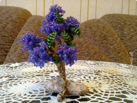 Куст Белоягоды. Материал: бисер, бусины, камень.   фото 2