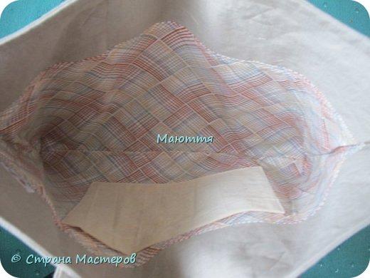 Я опять с сумкой. Только теперь льняной)) Сумочка делалась специально для девочки 10и лет, которая увлекается рисование. Эта девочка сама нарисовала эскиз сумки, а я постаралась воплотить в жизнь)) Размер как раз под листы А3 фото 6
