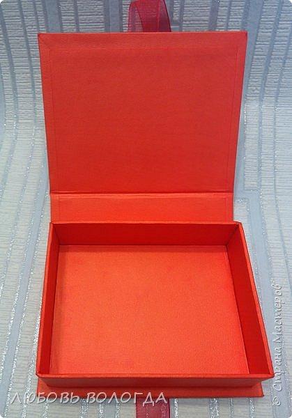 Красная с золотом малявочка фото 2