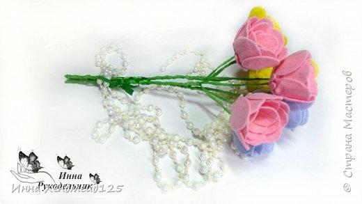 Сделала вазочку и захотела ещё сделать цветы для неё. Материалы: фетр (или вискозные салфетки), нитки, клей, проволока, бисер, гофрированная бумага. фото 3