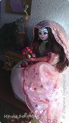 Интерьерная кукла. Лицо и ручки до половины изготовлены из полимерной глины. Тело набивное. На проволочном каркасе. Кукла  может принимать различные позы.  фото 1