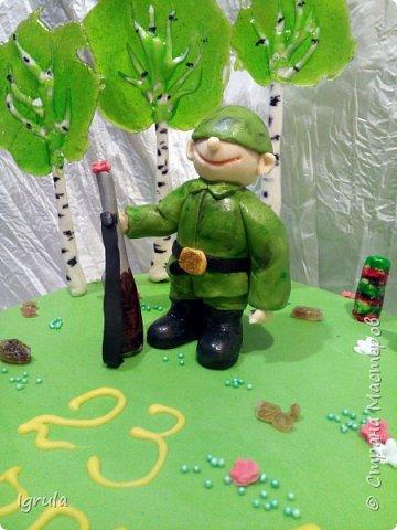Всем добра и хорошего настроения. Сегодня делюсь с Вами фото тортов, которые были сделаны мной для мужчин. Надеюсь этот пост окажется для Вас полезным и интересным. Итак первым хочу показать тортик, приготовленный для мужа и его коллег на день рождения любимого. Когда я спросила его о том, какой тортик он хотел бы. Муж отшутился. Сказал, что лучший торт- это кастрюля с пельменями. Ну я и сделала торт в виде кастрюльки любимых им пельмешек  фото 19