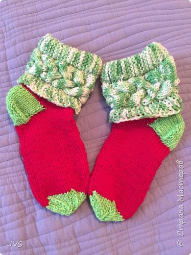 Носочки в подарок гимнастке. После тренировок, на сборах всегда тепло и уютно натруженным ножкам.  фото 1