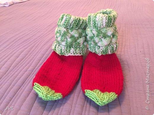Носочки в подарок гимнастке. После тренировок, на сборах всегда тепло и уютно натруженным ножкам.  фото 2