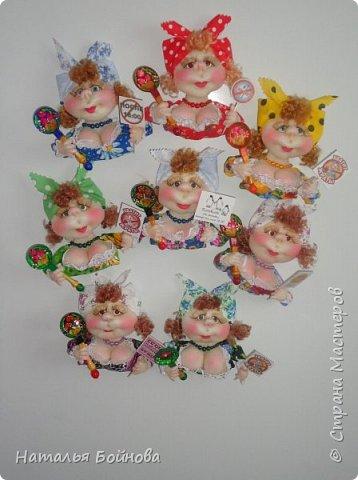 Маленькие текстильные куколки - ограничитель доступа к холодильнику) Размер кукол 10 на 12 см фото 7