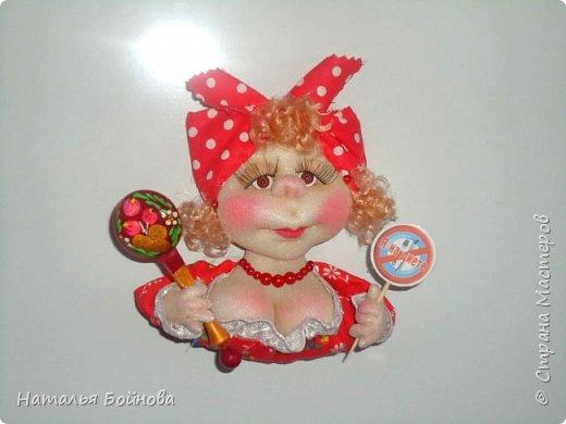 Маленькие текстильные куколки - ограничитель доступа к холодильнику) Размер кукол 10 на 12 см фото 2