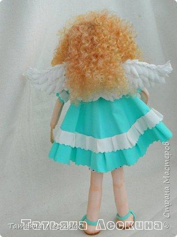 Всем, заглянувшим ко мне на страничку- доброго времени суток! Появилась у меня недавно такая нежная куколка- Ангелочек. У неё, как у всякого Ангелочка, есть крылья, в ручках- свеча.  фото 13