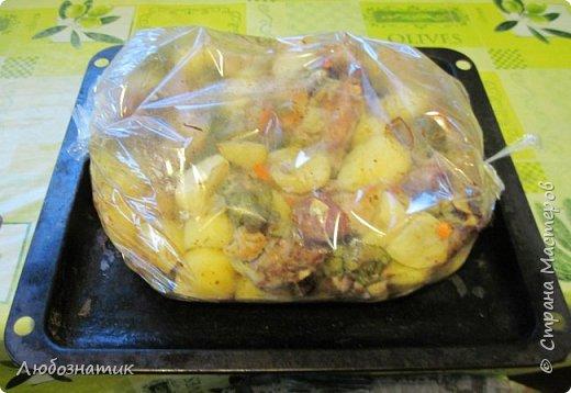 Добрый день уважаемые жители СМ! Сегодня хочу вам рассказать как я запекаю мясо и картошку в рукаве.  фото 14
